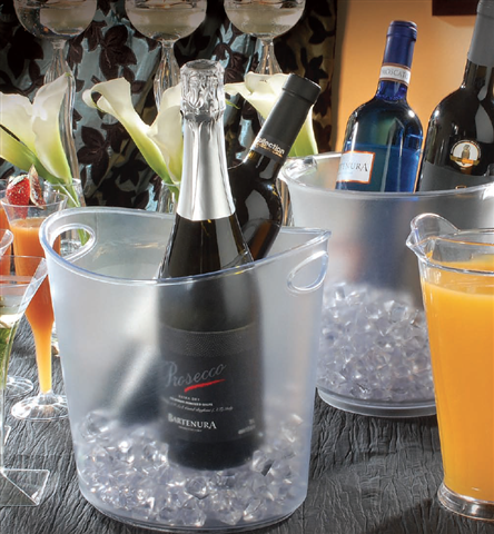 Disposable Beverage Pitchers And Ice Buckets By Fineline Settings